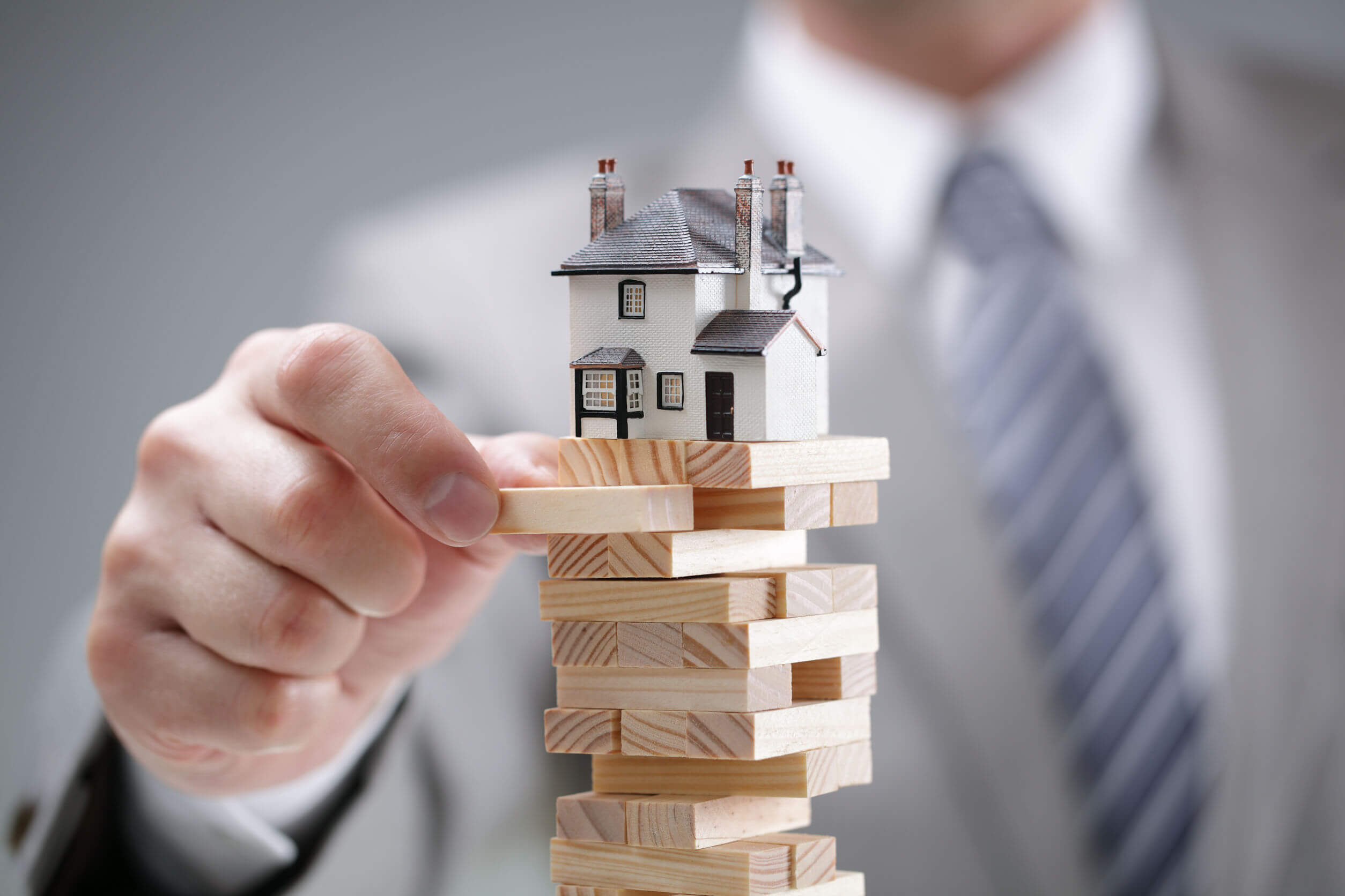 Real Estate Market - Tell-Tale Signs of an Imminent Transition